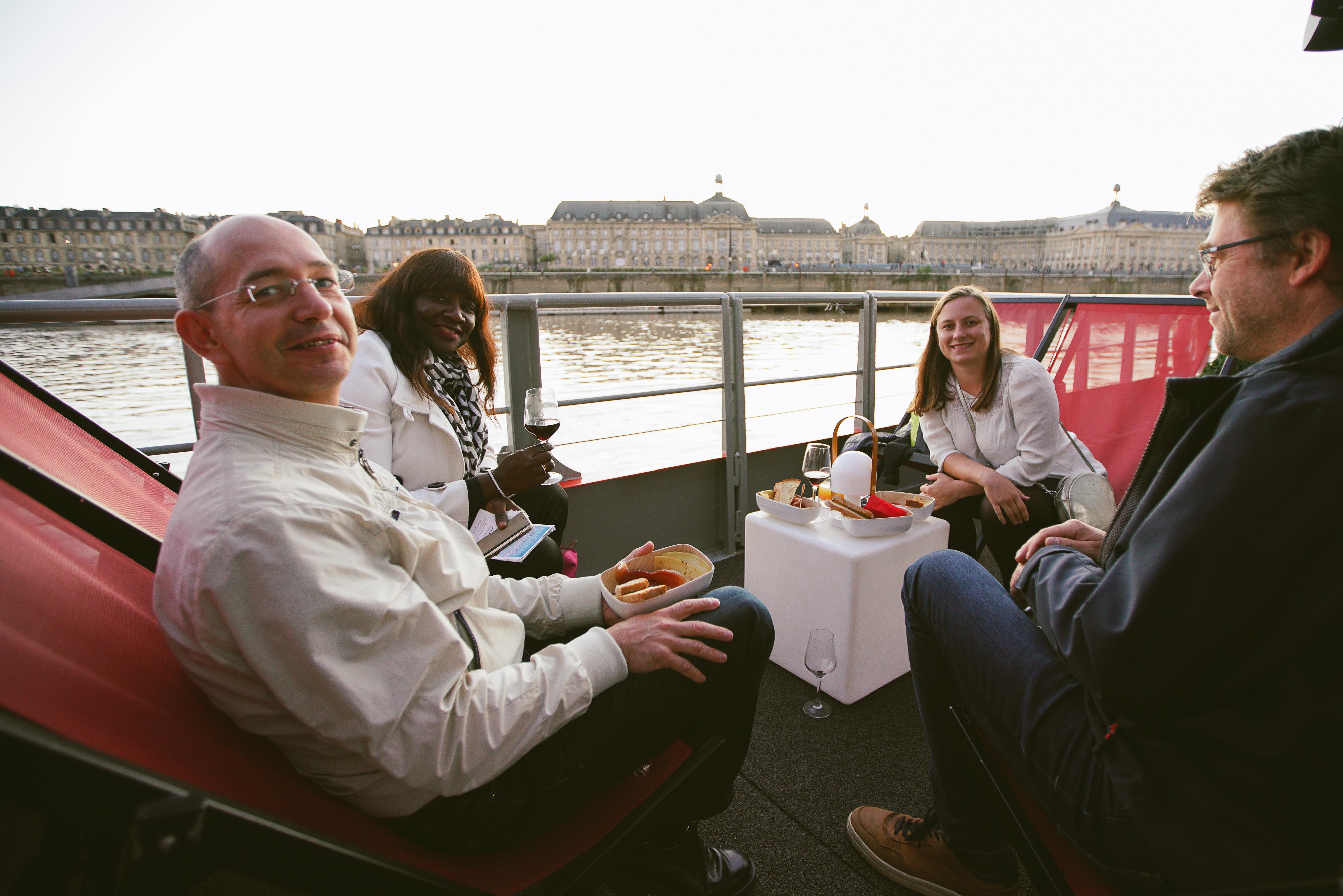 Afterwork_River_Cruise_sur_le_Sicambre_Photographe_d_evenements corporate_christophe_boury_www.photographe-33.fr_HD_A7R04093